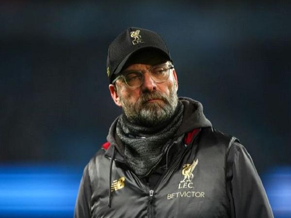 Thua Wolves, HLV Liverpool đổ thừa tại... gió