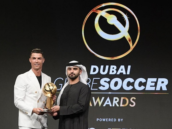 Ronaldo giành giải Globe Soccer Awards 2019 ở Dubai