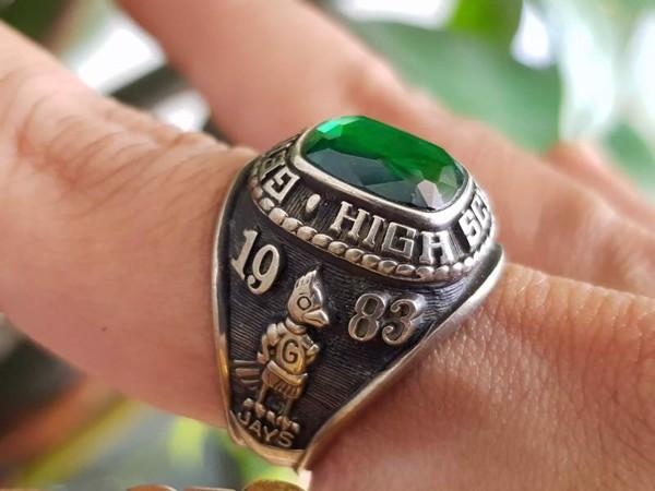 Màu sắc phù hợp với nhẫn phong thủy theo mệnh Mộc