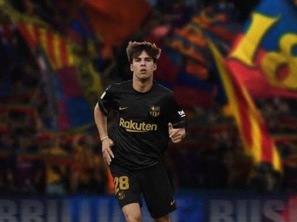 Tin bóng đá chiều 21/11: Man United muốn ký Riqui Puig